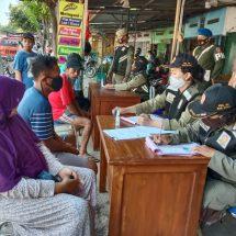 Aparat Gabungan Di Blora Beri Sangsi Sosial Puluhan Pelanggar Protokol Kesehatan Saat Operasi Yustisi Di Perbatasan Jawa Timur